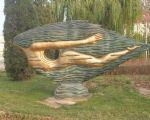 通往十三陵水库路边的雕塑